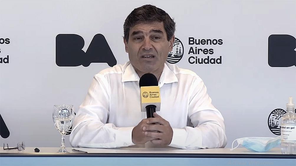 Quirós aseguró que las aglomeraciones, como la de ayer, agregan riesgo epidemiológico a la situación en el AMBA