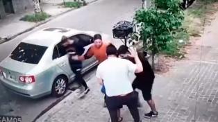 Lo asaltaron y robaron el auto cuando llegaba con su hijo de 6 años a una peluquería