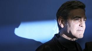"""Para George Clooney, los incidentes en el Capitolio """"ponen a Trump en el basurero de la historia"""""""