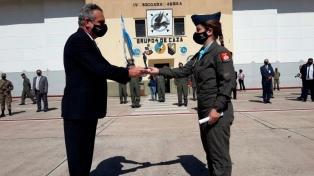"""Rossi asistirá al """"Primer Vuelo Solo"""" de una piloto de combate mujer de la Fuerza Aérea"""