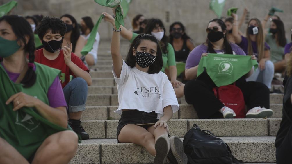 En Rosario, se congregaron en las inmediaciones del Monumento Nacional a la Bandera.