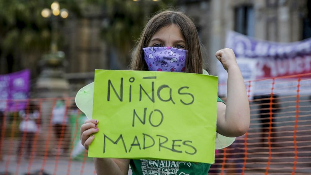 Mujeres de todo el país se manifestaron en bicicletas, en autos y o a pie por las calles de las capitales provinciales.