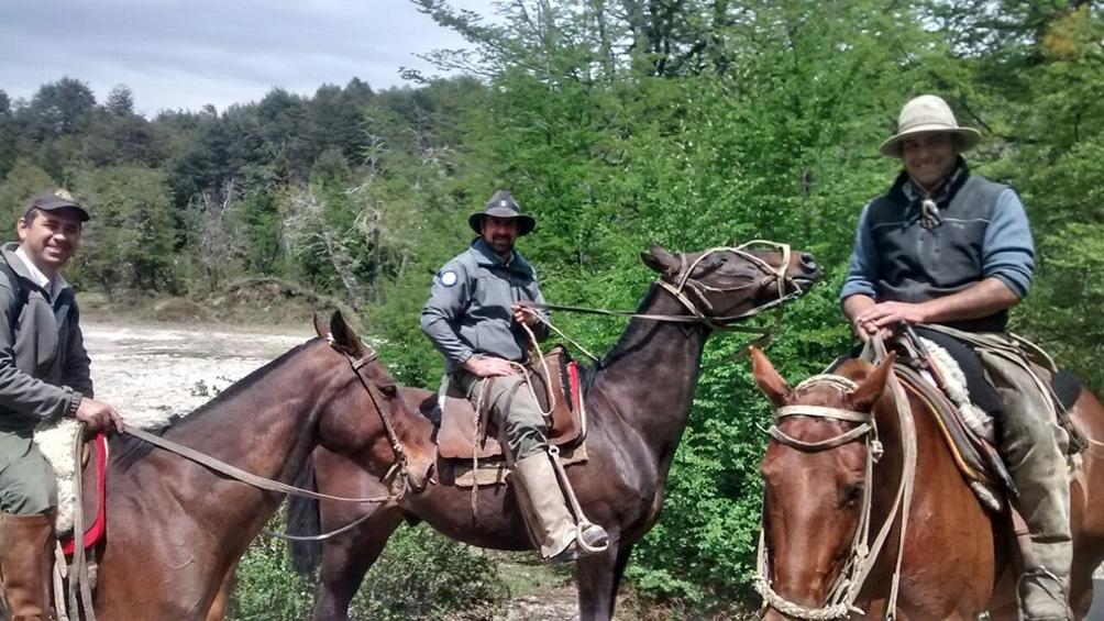 Hacia el 2010, con compañeros del Parque Nacional Nahuel Huapi.