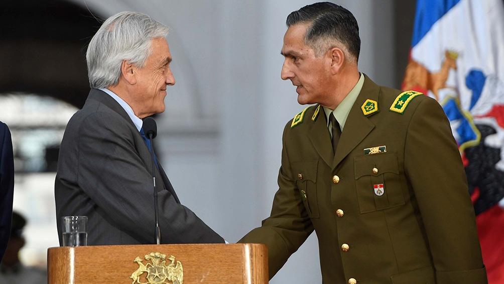 El saludo con Sebastián Piñera, durante la asunción de Mario Rozas.