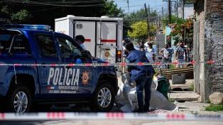 Asesinan a balazos a dos hombres cuando iban a trabajar en moto