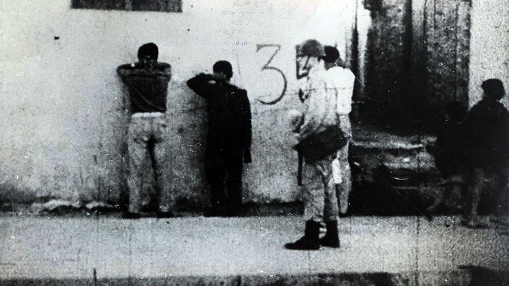 La hora de los hornos, de Solanas (1967) Una radiografía de la Argentina preindustrial y un homenaje a la resistencia.