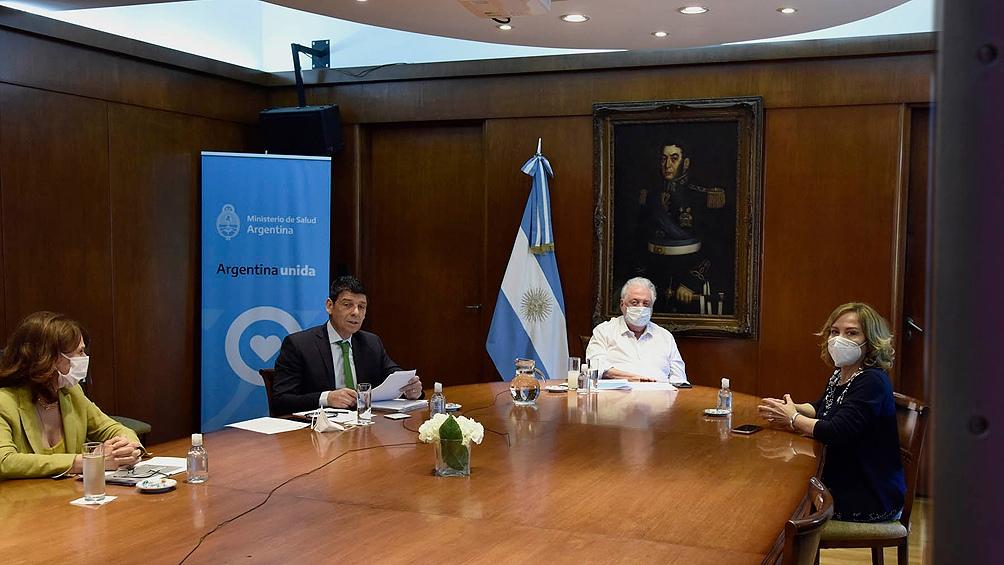 González García y Trotta presentaron los lineamientos generales del  Plan Nacional Enfermería 2020-2024.