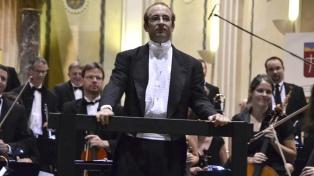 Padre e hijo se encuentran en un concierto sinfónico que enlaza la Argentina con Canadá