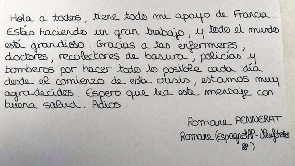 Fueron carta que estudiantes de una pequeña ciudad francesa enviaron al personal como trabajo para su clase de español