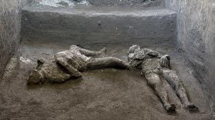 Hallan en Pompeya los restos de dos víctimas de la erupción del Vesubio