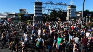 Un parque público o edificios de lujo, dos propuestas en pugna para Costa Salguero
