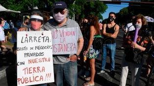 """Vecinos rechazan """"construcciones de lujo e innecesarias"""" en Costa Salguero"""