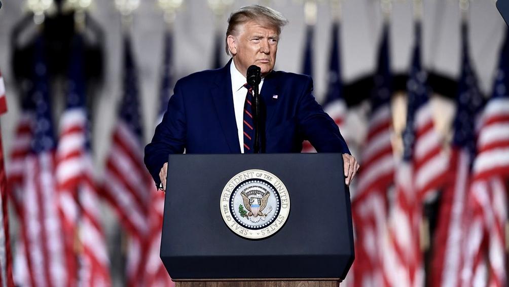 """Trump insistió en que su discurso previo urgiendo a sus seguidores a marchar al Capitolio fue """"totalmente apropiado""""."""
