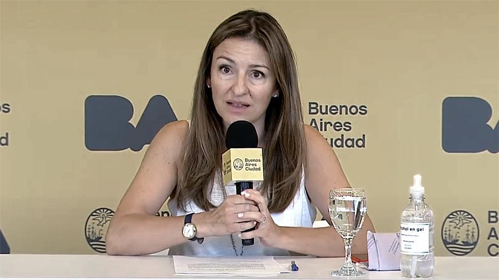 Soledad Acuña prometió que las escuelas que no estuvieron en condiciones de abrir este lunes, lo harán el martes.
