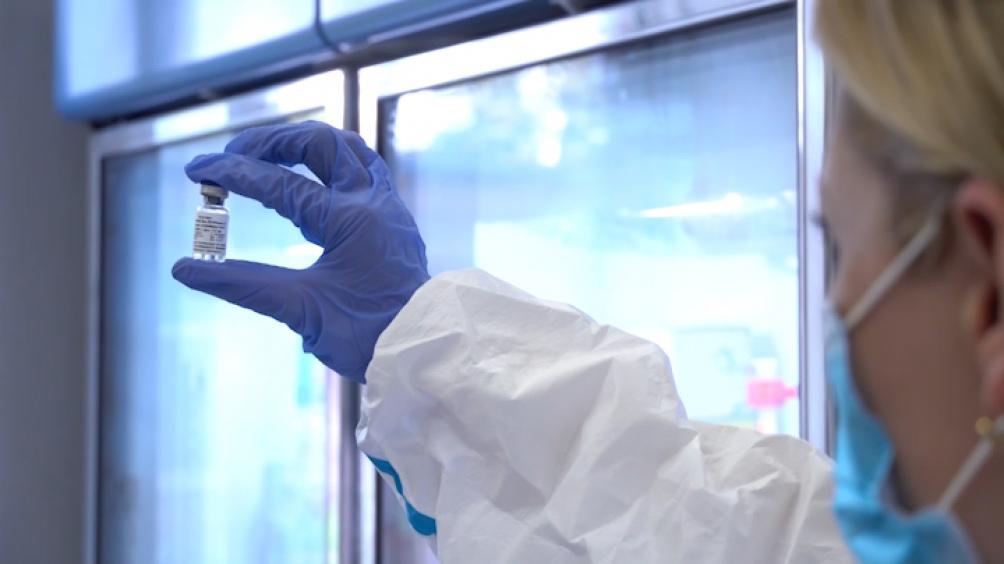 La vacuna rusa se basa en un adenovirus, el mismo utilizado desde 1953 para combatir el ébola.
