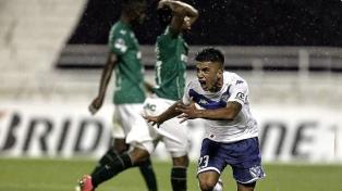 Vélez consiguió una buena ventaja en un encuentro de polémico arbitraje