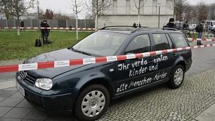 Un hombre estrelló un auto contra la sede de la Jefatura de Gobierno, en Berlín