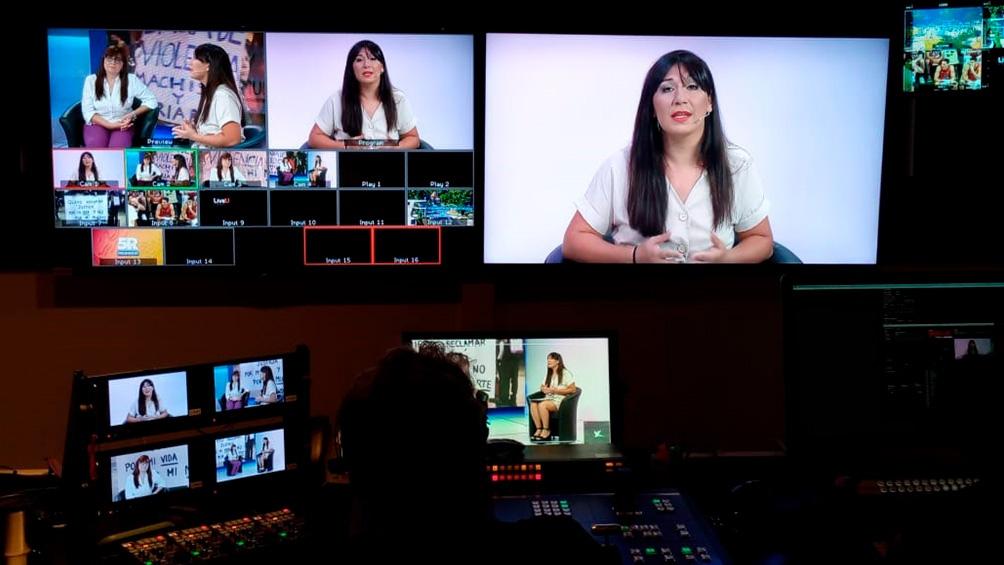 Por primera vez una periodista trans conduce el especial por la no violencia de género