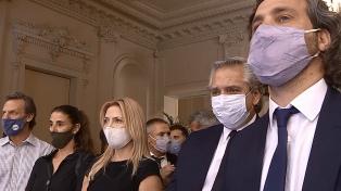 El Presidente y ministros del gabinete asistieron al velorio de Maradona