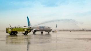 El avión del primer vuelo comercial desde Emiratos a Israel regresa a Dubai