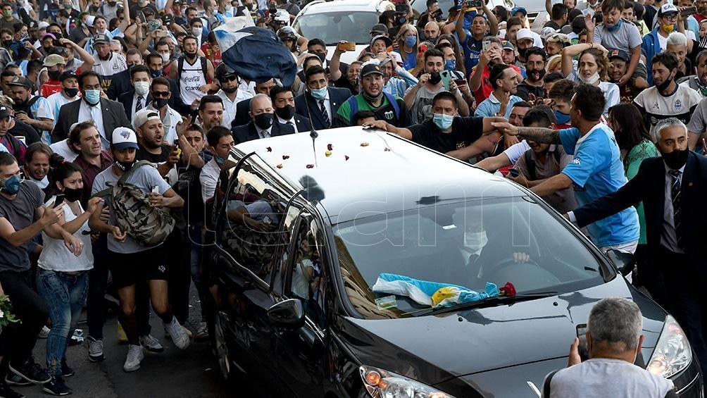 Una multitud acompañó la salida del cortejo en Casa Rosada