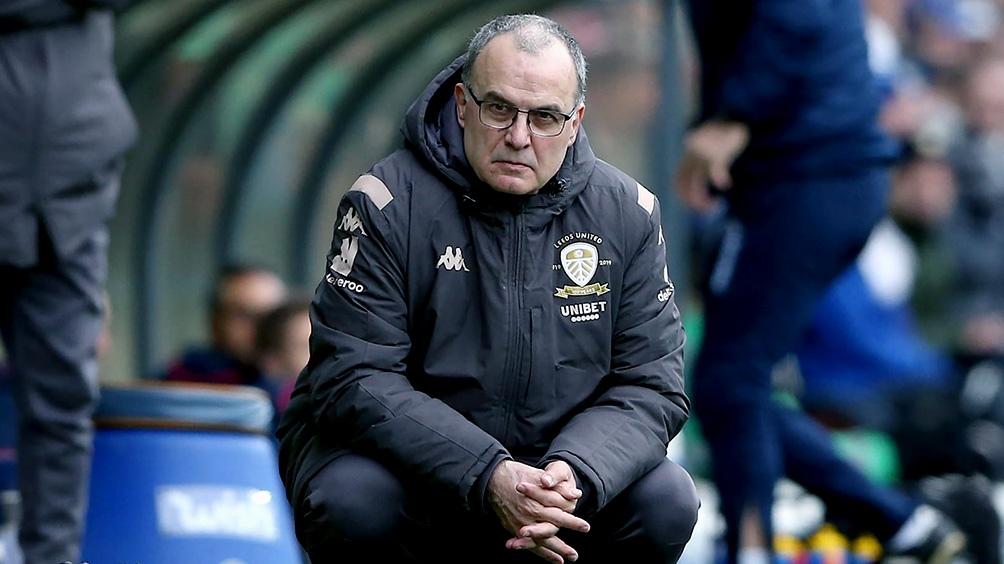 Bielsa y el Leeds (23 unidades), quieren alcanzar en las posiciones al Tottenham (26)