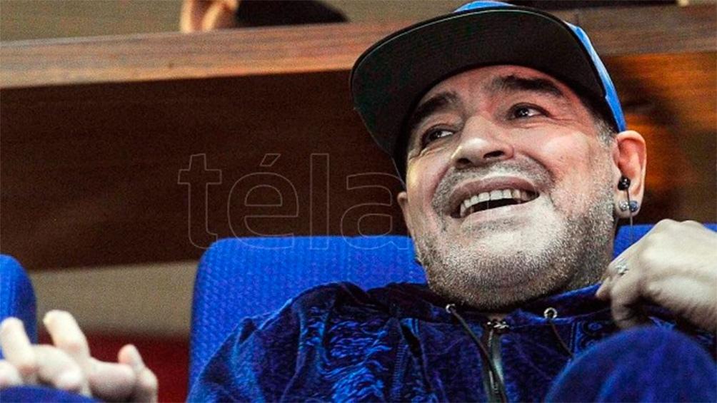 Maradona en Zagreb, cuando fue a alentar a la Argentina ante Croacia en la final de la Davis de 2016