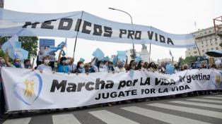 "Manifestantes ""celestes"" denuncian ""represión"" por parte de la Policía porteña"