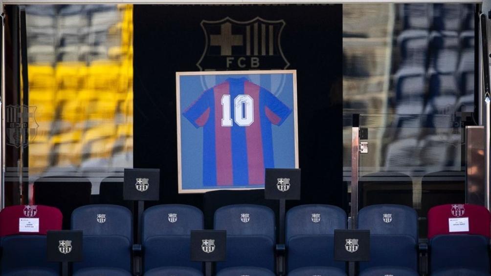 El homenaje del Barcelona y de Messi a Maradona