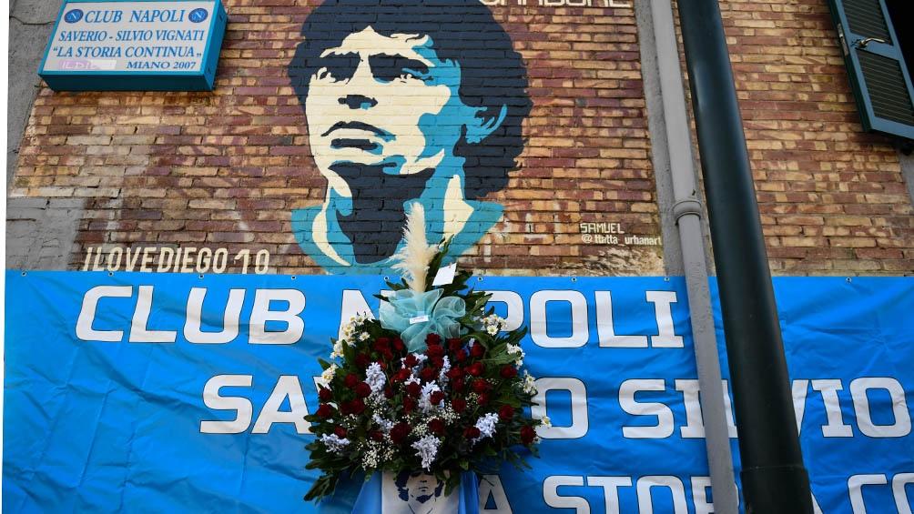 Una parte de la leyenda de Maradona está en ese sótano de un edificio normal y corriente de Secondigliano.