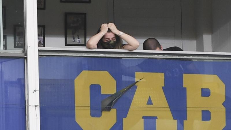 Boca lo resolvió rápido con Cardona y el partido con Newell's fue un homenaje a Maradona