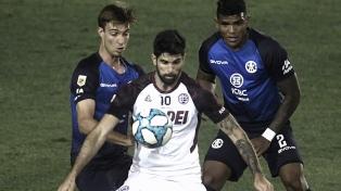 Lanús muy cerca del final encontró el gol para vencer a Talleres de Córdoba