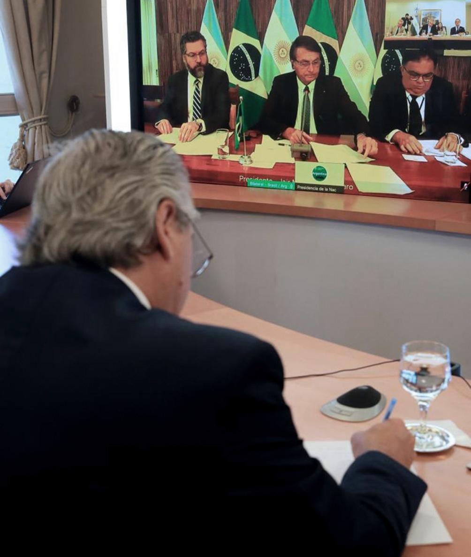 """Según reconstruyó luego Scioli, el tono """"ameno"""" de la charla privada surgió a partir del fútbol."""