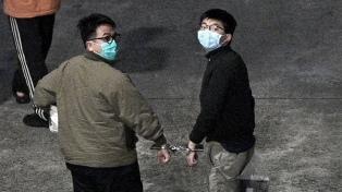 El activista prodemocrático Joshua Wong fue condenado a 13 años de prisión