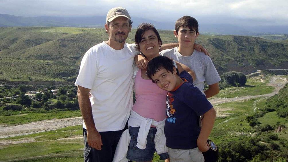 Gerardo, Alicia, Tommy y Benjamín hace unos años en Tucumán.