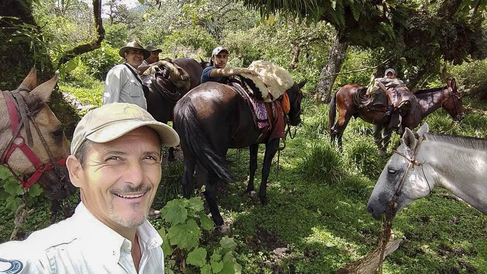 Con sus compañeros del Parque Campo de los Alisos, hoy Aconquija.