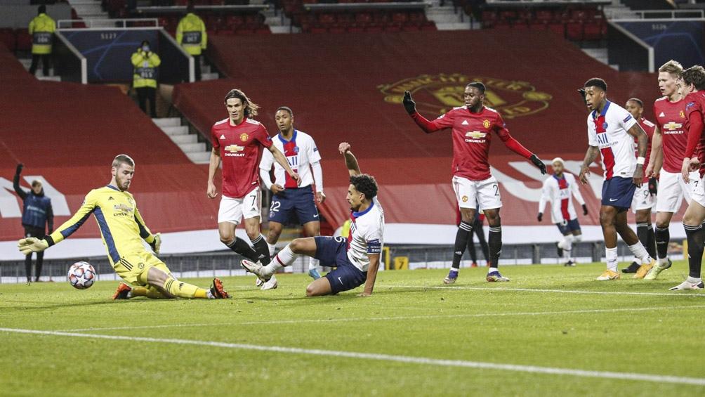 """El gol de Marquinhos para el PSG que logró una importante victoria en Manchester ante el """"United"""" (Foto: @PSG_espanol)"""
