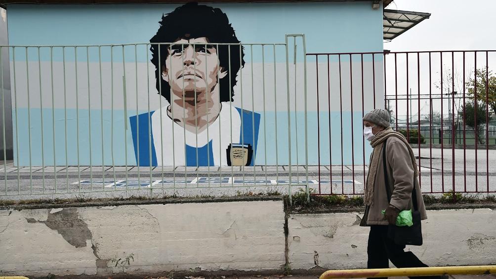 Maradona, inmortalizado en una pared en Grecia.