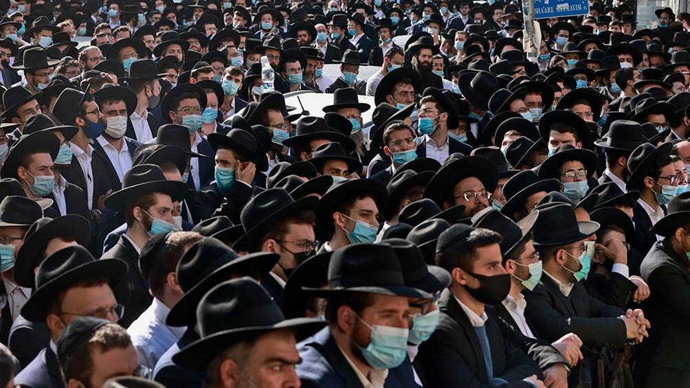 La procesión no respetó el distanciamiento sanitario preventivo ni el uso de tapabocas
