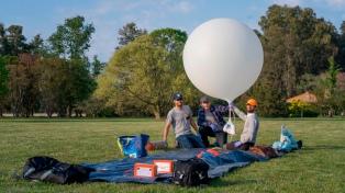Cómo es el globo meteorológico para fotografiar el eclipse de sol desde la estratósfera