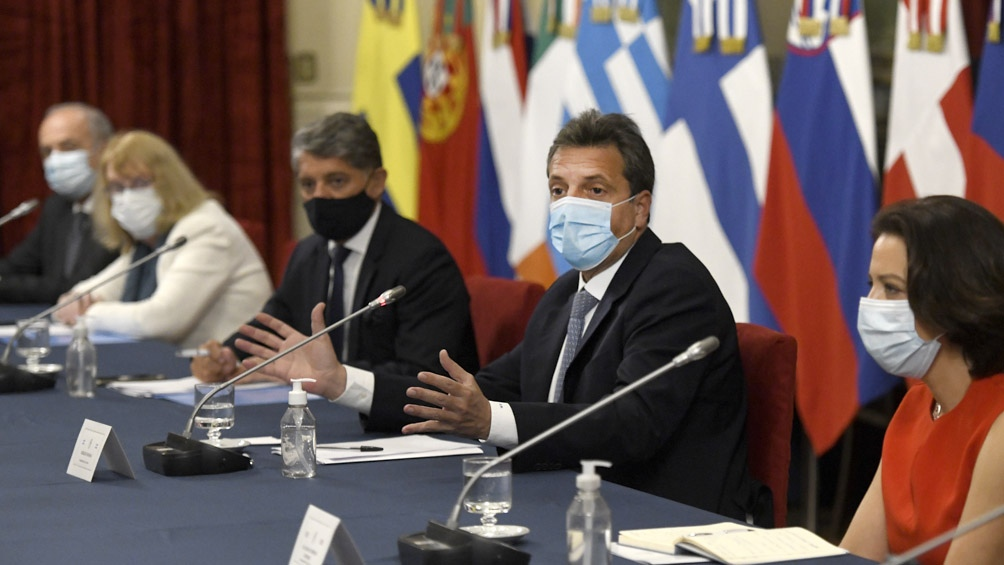 Massa se reunió con embajadores de la Unión Europea