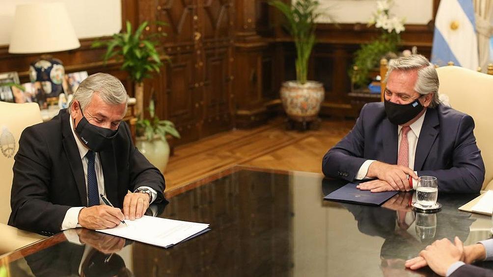 Durante la mañana, firmó el Consenso Fiscal 2020 el gobernador de Jujuy, Gerardo Morales.
