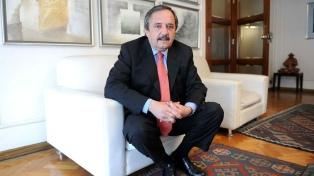 Alfonsín destacó el respaldo de España en la renegociación de la deuda con el FMI