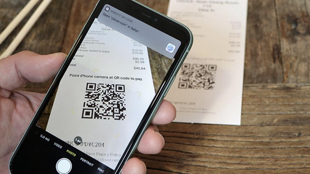 Más del 50% que empieza a cobrar con lectores de tarjetas luego empieza a ofrecer otros medios de cobro como el código QR o links de pago.