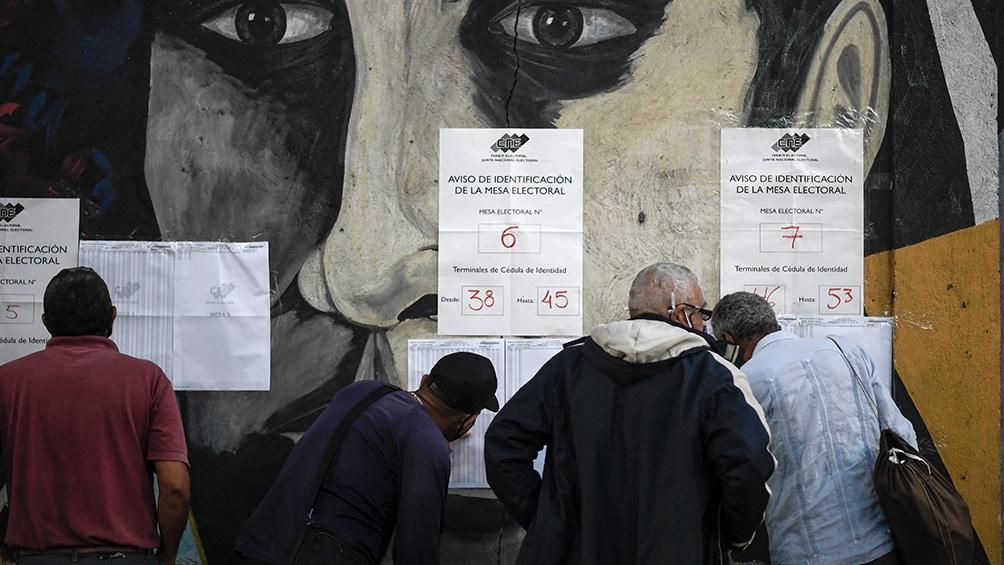 Las elecciones legislativas estuvieron marcadas por una alta abstención del 69% y críticas de algunos países