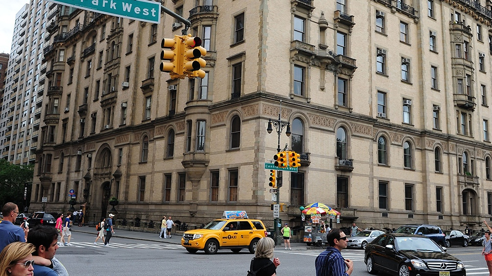 La esquina en que fue asesinado Lennon en Nueva York: la relación del artista con la Gran Manzana fue tan intensa como trágico su final.