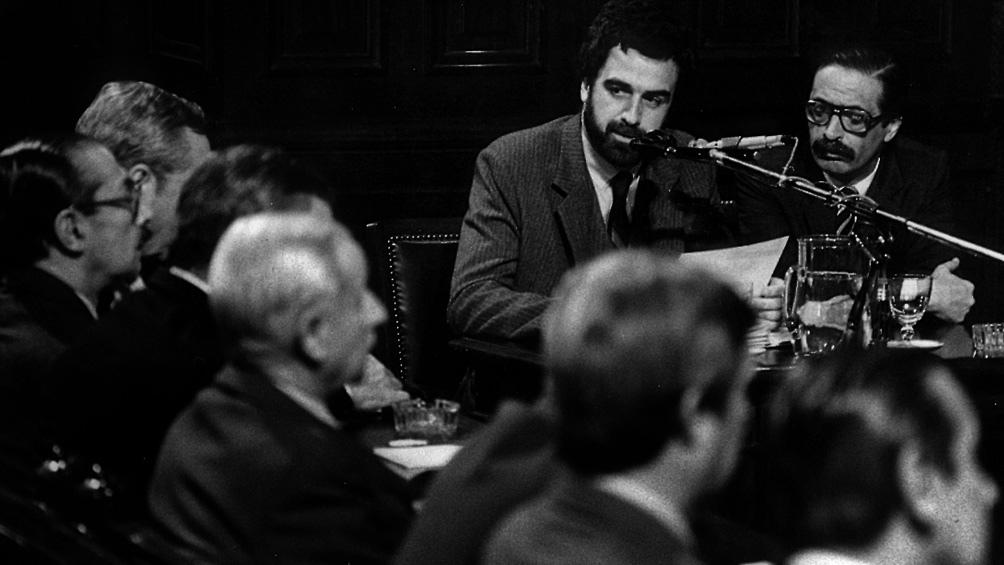 El juicio de la Causa 13 comenzó el 22 de abril de 1985, cuando el gobierno de Raúl Alfonsín llevaba menos de dos años