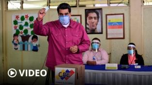 Sin sorpresas, el chavismo recuperó el control del parlamento en Venezuela