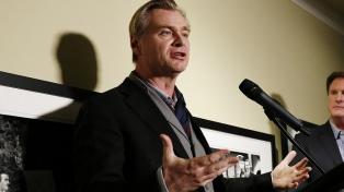 Christopher Nolan, contra Warner Bros.