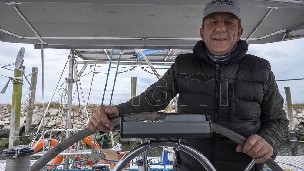 El proyecto surgió como una iniciativa personal del capitán Sigfrido Nielsen, un geólogo con más de 30 años de experiencia como navegante.